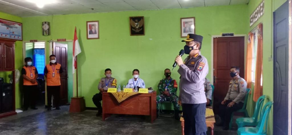 Eksekusi Arahan Kapolri, Ditbinmas Polda Pabar Sambangi Posko PPKM di Sektor Pemukiman Prafi Manokwari