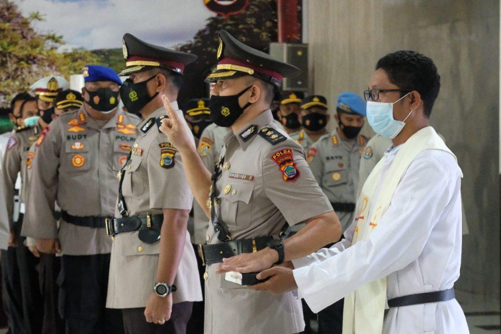 Kapolda Irjen Pol Tornagogo Pimpin Sertijab Kabid Keu Polda Pabar