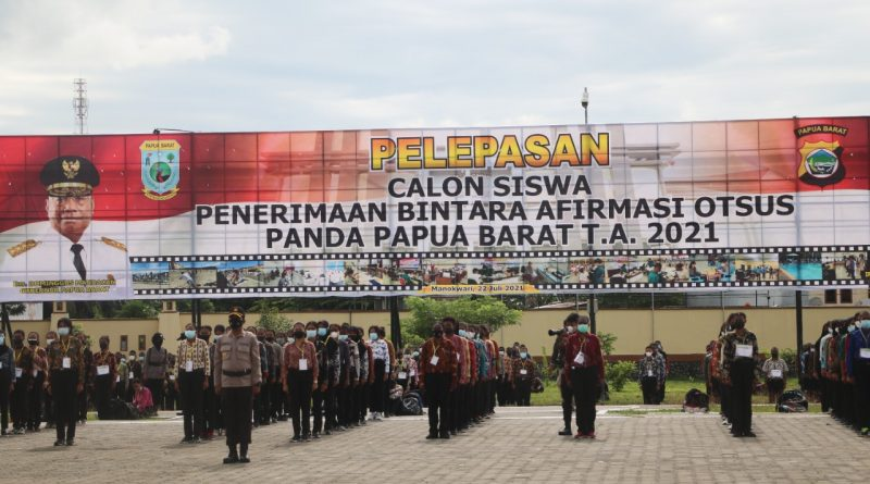 Kapolda Irjen Pol Tornagogo Ingatkan 2.111 Casis Polri Jaga Nama Baik Papua Barat Selama Pendidikan