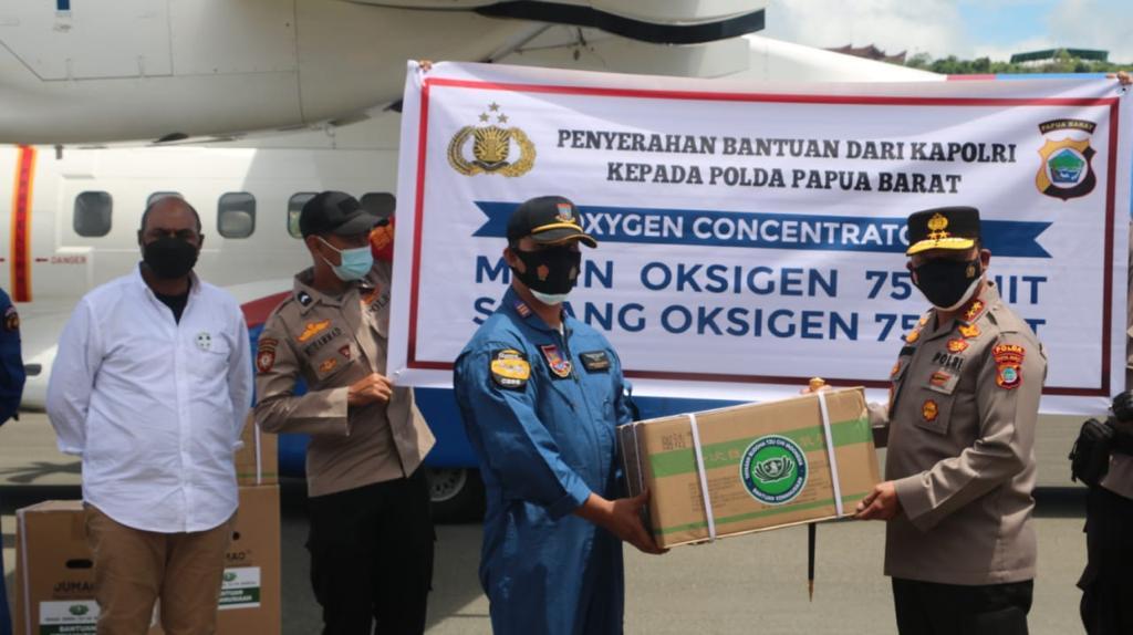 Kapolda Pabar Terima Bantuan 75 Oxygen Concentrator Dari Kapolri Jendral Listyo Sigit Prabowo
