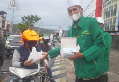 FKDMI Papua Barat Aksi Bagi 10 Ribu Masker Bantu Pemerintah Putus Rantai Covid 19